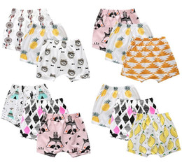 Barato Calças Dos Meninos Dos Carros-Shorts para crianças Baby Boys Calças casuais Ins Moda Leggings Frutas Fox Panda Car Sabrina Cropped Trousers Harem Bloomers Infant Clothing