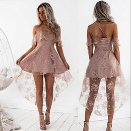 Barato Vestidos De Renda Rosa Pálido-Cute Pale Pink Short Homecoming Vestidos High Low Lace A Line Spaghetti Straps Backless Prom Arabic Vestidos Cocktail Dress