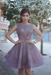 Barato Vintage Dubai-2018 Purple Arab Dubai Said Mhamad Short Cocktail Dresses Sheer Crew Beads Sequins Neck Appliques Short Prom Homecoming Vestidos