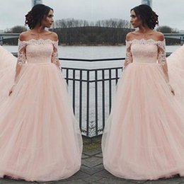 Shirt Zipper Épaule Pas Cher-Blush Pink Tulle Lace Prom Robes de soirée 2017 Manches longues Off-the-Shoulder A-line Zipper Back African Evening Gowns