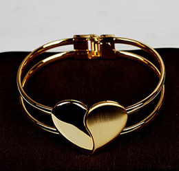 $enCountryForm.capitalKeyWord NZ - Top Luxury Golden Heart Cuff Bangle Statement Women Love Heart Bracelet Charming Peach Heart Lover Gift Bridal wedding bracelets