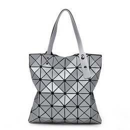 geometric fold tote bag Canada - Top New Fashion Foldable Geometric Split Joint Plaid Casual Tote Big Sequins Top Handle Bag Ladies Diamond Lattice Bao Bao Handbag Tote