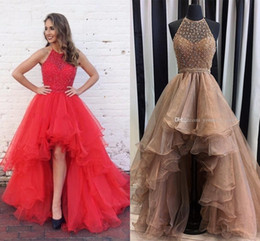 Barato Organza Azul Prom-100% Imagem real Champanhe Alto Baixo Prom Dresses Halter Sequins Beaded Organza Tiered Skirt Backless Red Gold Prom Dresses