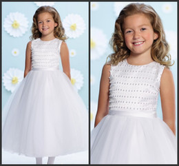 12 13 girls dresses sale 2019 - White Tulle Kids Formal Wear Tea Length SHort Flowers Girl Dresses Cheap Pearls Beautiful High Quality Party Gown Wonder