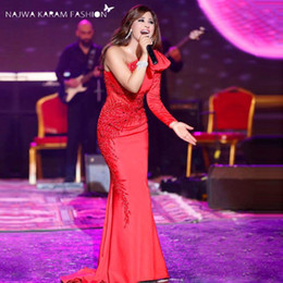 Manches Longues Décorées Manches Pas Cher-2017 Najwa Karam Fashion Red Carpet Celebrity Robes Inspired Mermaid One Shoulder Bow Décoré Long Sleeve Sweep Train Evening Gowns