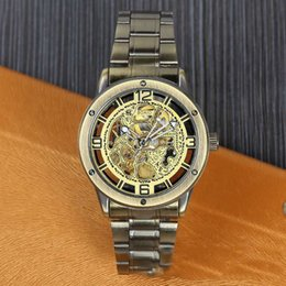 Marques De Vêtements Chine Pas Cher-Les marchandises antiques hommes regardent HIGE FIN BRAND Dress Watch Haute Qualité Montre-bracelet de luxe livraison gratuite MADE IN China.