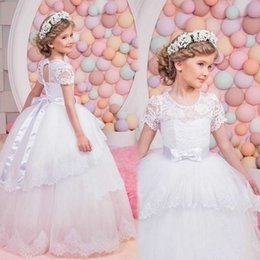 Robes Courtes En Corset Pas Cher-Princess Scoop à manches courtes en dentelle Little Wedding Flower Girl Dresses 2017 Corset Tulle Ball Gown Long Kids Puffy Birthday Communion Robes
