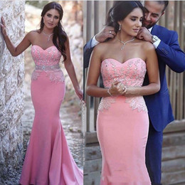 Barato Beaded Sweetheart Vestidos De Sereia-2017 Mermaid baratos vestidos de noite com Sweetheart decote sem alças de cristal Beaded Applique Trumpt Pink Crepe Party Prom Gowns