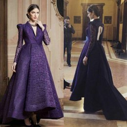 Barato Vestido De Manga Cocktail Cocktail-Vintage Full Lace Purple Deep V-Neck Dresses Party Evening com mangas compridas Keyhole Back Long Prom Dress Cocktail Gown Custom Made