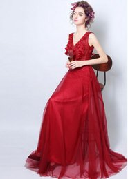 New Arrival Hot Sale Fashion Elegant Luxury Princess Angel Flowers Perspective Red Rose Diamond Silk V Neck Toast Bridal Wedding Dress