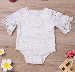 Combinaison Blanche Blanche Pas Cher-Ins Summer Baby Girls Blanc Dentelle Pricess Rompers Enfants Vêtements Dentelle Hollow Romper Blanc Jolie Filles Infant Jumpsuit Vêtements