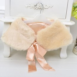 $enCountryForm.capitalKeyWord Canada - 2017 New Winter Warm Flowers Girl Lace up Capes shawl Wedding Dress faux fur stole Wraps Cap jacket for party gown dinner Champagne