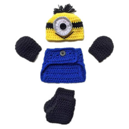 Barato Luvas Feitas À Mão Crocheted-Minion Desprezível Me Outfits, Handmade Knit Crochet Baby Boy Girl Halloween Costume HatGlovesDiaper CoverBoots Set, Infant Photo Prop