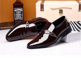 Trend Shoes British Canada - New trend men's dress shoes business youth British black patent leather shoes men's feet Korean pointed men's shoes size:EU39-47