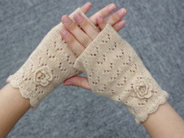 Hollow Fingers Australia - Fashion Lady Crochet Gloves Pure Handmade Sewing Fashion Hollow Warmer Half Fingers Gloves 5 Colors Knitted Mittens