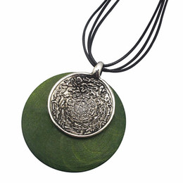 $enCountryForm.capitalKeyWord Canada - Round Vintage Metal Wood Necklace Ethnic Style Women Men Fashion Jewelry Rope Pendant Necklace Leather Chain Pendant Statement Necklace