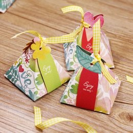 triangle candy bags UK - Pearl paper triangle candy boxes chocolate container baby shower favor box free shipping 50pcs lot wholesale