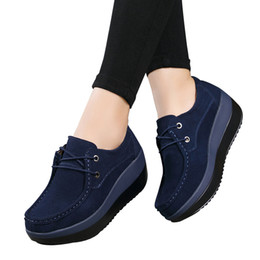 Wholesale 2017 Autumn women flats shoes thick soled high platform shoes leather suede ladies casual shoes lace up flats creepers