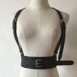 Esclavage Cuir Bouclier Pas Cher-Wholesale- Hommes Femmes Unisex Punk Leather Harness Ceinture à taille large big Buckled Body Bondage Sculpting Cage Ceinture en cuir Ceinture de suspension