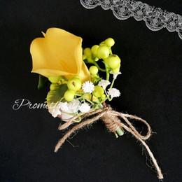 amarillo calla lily broche de boda pines flores artificiales ramillete boutonniere palo para el mejor hombre traje boda accesorios padrinos de boda broches