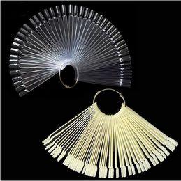 50 PCS Unhas Falsas Em Forma de leque Falso Nail Art Tips Polonês Gel UV Adesivo Claro Decoração Natural Exibição Vara Gel Salon Ferramenta em Promoção