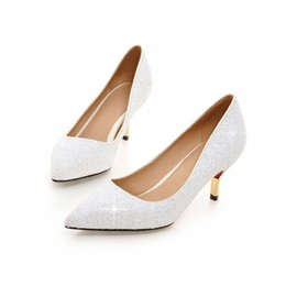 kitten heel glitter shoes UK - Spring Pointed Toe Women Shoes Comfortable Middle Heel White Glitter Sequined Cloth Wedding Party Shoes Bridal Pumps Plus Size