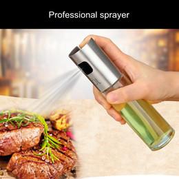100ml Vetro Olio spruzzatore pompa di oliva Argento Acciaio Inox Spray bottiglia di olio spruzzatore può Jar Pot strumento può Pot olio spruzzatore in Offerta