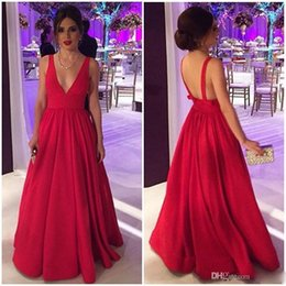 Barato Vestido Longo De Cetim Vermelho Satinado-Sexy Backless Deep V-neck Red Satin Long Evening Dresses 2017 Custom Made Pleated Prom Gowns vestido longo