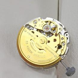 Accessoires de montres miyota 8215 mouvement automatique d'or Meida nouveau mouvement mécanique à remontage automatique de la nouvelle haute qualité en Solde