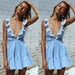 Barato Vestuário Sexy Vestido De Festa Xl-2017 New Sexy Mini Short Light Blue Mulheres Vestidos Casual Criss Cross Backless Striped Summer Beach Clothes Short Party Holiday Gowns FS1973