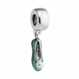 fa4b11175101 Los zapatos de perlas de Tinker Bell encantan los abalorios para las  pulseras de la joyería de pandora S925 plata esterlina envío libre  aleCH621H7 perla ...