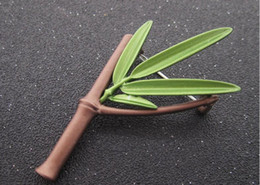 scarf brooches UK - Bamboo green leaves the plant brooches corsage restoring ancient scarves buckle