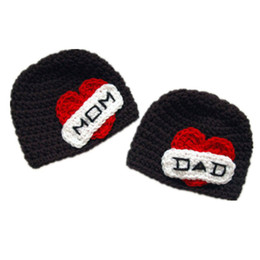 $enCountryForm.capitalKeyWord UK - I Love My Mom and Dad,Handmade Knit Crochet Baby Boy Girl Twins Hat,Newborn Valentine Day Winter Hat,Toddler photo Porp