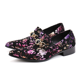 flowering dress UK - New Luxury Party Wedding Handmade Loafers Men Dress Shoes Flowers Suede Leather Slip on Smoking Slippers Men Flats Plus Size