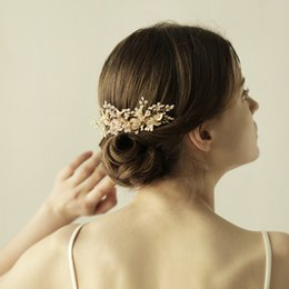Discount left hand hair - 2017 Best Sale Wedding Hair Combs Gold Glinting Leaves Hand Wired Glass Seed Beads Bridal Headpieces Tiaras Bridal Acces
