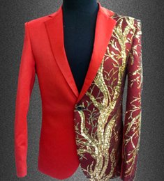 Barato Trajes De Desempenho Por Atacado-Atacado- New Slim Male Suits Blazer Vermelho / Preto Ouro Sequins Bordados Moda Men Performance Costume Stage Wear Star Concert Jacket Coat