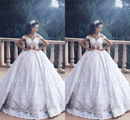 $enCountryForm.capitalKeyWord Canada - Luxurious Off the Shoulder Princess Ball Gown Wedding Dresses 2017 Vintage Appliques Lace Arabic Wedding Bridal Gowns With Detachable Train