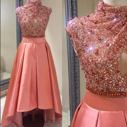 Robes De Soirée Coupe Sexy Pas Cher-2017 Salmon Color High Low Prom Robes High Neck Cousu sans manches Cristaux Sequins Robe de bal Robe décontractée Party Party Formal Gowns