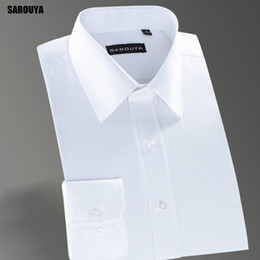 Tops Blancs Élégants Pas Cher-Vente en gros SAROUYA XW103 2017 New Slim Fit Stylish Twill Solid Robe d'honneur manches longues White Social Top Quality Wedding Male Clothing