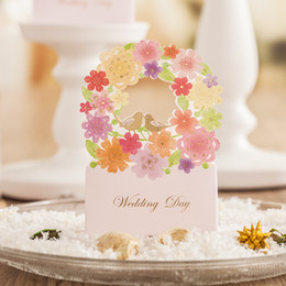 Discount laser cut wedding favours box - Wedding Candy Favors Gifts Boxes Laser Cut Flowers Chocolate Favors Paper Bags Boxes Wedding Favours Box Supplies Free S
