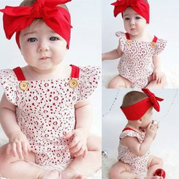 Barato Roupas Vermelhas E Brancas-Mikrdoo 2017 Cute Newborn Baby Lace Romper White Tutu Infantil Rompers Red Hairband 2pcs sem mangas trajes de bolo Flower Top Fashion Clothes
