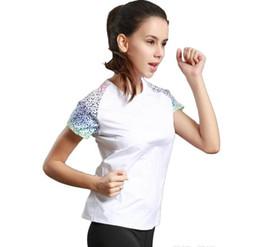 f73330888 Esportes correndo T-shirt das mulheres em torno do pescoço de manga curta  yoga serviço de fitness serviço de secagem rápida respirável 2017 novo