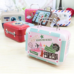 Barato Bolsas Para Partidas Favoritas-100pcs 75 * 35 * 55mm Small Tin Vintage Party Rectangle Handbag Suitcase Bagagem em forma de caixa de doces Casamento Gift Gift Box ZA1291