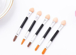 Discount disposable eyeshadow applicators Cosmetic Makeup Eyeshadow Sponge eyebrow brush Lip Brushes Eye Shadow Applicators Double-Ended Disposable Makeup Tools A