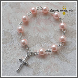 $enCountryForm.capitalKeyWord Canada - 25pcs lot Catholic Baptism Favors Pink Glass Pearl Finger Rosary Religious Mini Rosary Ring Girl's Communion Favors Cross Finger Rings