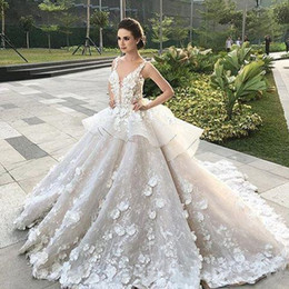 Barato Vestido Completo Feito À Mão Flor-Full Lace Wedding Dresses Lace Appliques sem mangas A Line Country Cheap 2017 V Neck Hand Made Flor Tulle Illusion Bodice Bridal Gowns