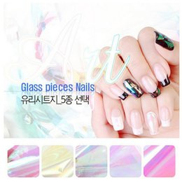 Mignon Art De L'ongle Pas Cher-Vente en gros - 5 couleurs différentes / set 2016 NOUVEAU Pièces de verre brisées Miroir Foil Tips Stencil Decal Nail Art décorations Autocollant Cute DIY Tools