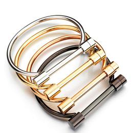$enCountryForm.capitalKeyWord UK - Unisex D Shackle Screw Cuff Titanium Steel Bangle Bacelets Rock Punk Style Gold Plated Stainless Steel Women Bracelet