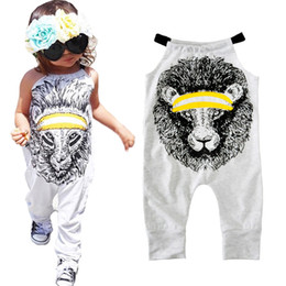 Costumes De Bébé Animaux Pas Cher-Girl Rompers Summer Cartoon Lion Print Combinaison de garçon pour vêtements de bébé 2017 Fashion Halter Cute Animal Toddler Romper Ensembles de costumes pour enfants