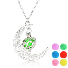 2017 DIY Aromatherapy Necklace Moon&Heart Pendant Perfume Essential Oil Diffuser Locket Necklace Jewelry Necklace for Woman Lovely Gift